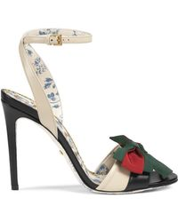 d731637ec67 Gucci - Leather Sandal With Web Bow - Lyst