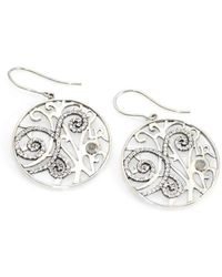 d52806844d5f4 Oscar de la Renta Resin Swirl Scalloped Earrings in Metallic - Lyst