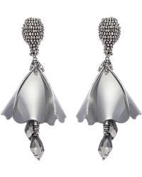 Oscar de la Renta | 'mini Impatiens' Metallic Petal Glass Crystal Drop Clip Earrings | Lyst