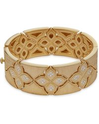Roberto Coin - 'venetian Princess' Diamond 18k Yellow Gold Cutout Bangle - Lyst