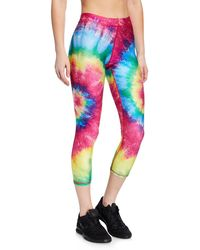 d2cb94e6dcef9 Lyst - Terez Northern Lights Printed Cropped Leggings