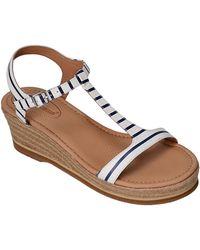 Corso Como - Chera Leather T-strap Platform Sandals - Lyst