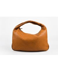 9a0750fd18 Bottega Veneta - Tan Intrecciato Leather Single Strap Large Veneta Hobo Bag  - Lyst