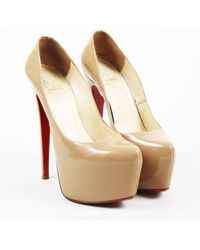"""Christian Louboutin - Beige Patent Leather """"daffodile"""" 160 Platform Court Shoes - Lyst"""