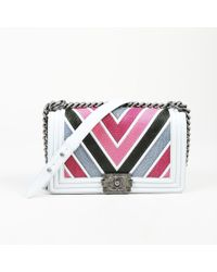 4d33d42d7f7a Chanel - Medium Boy Chevron Lizard Crossbody Bag - Lyst