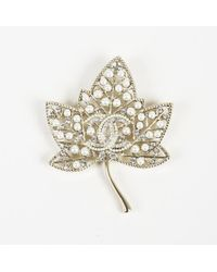 "Chanel - 2018 Crystal 'cc' Faux Pearl ""leaf Brooch"" Pin - Lyst"