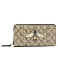 63f0ef68e82fec Gucci Bee Embroidered Bi-fold Wallet for Men - Lyst