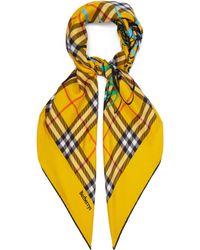293749223ab1 Burberry - Foulard carré en soie à motif Vintage check - Lyst