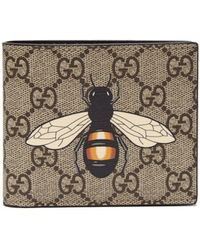 1a51292d4c95 Gucci GG Supreme Bee Print Wallet in Natural for Men - Save 19% - Lyst