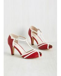Chelsea Crew | Earn Your Peep Heel In Crimson | Lyst