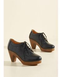 N.y.l.a. - The Doctorate Is In Oxford Heel In Black - Lyst