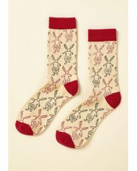Out Of Print - This Way To Wonderland Socks - Lyst