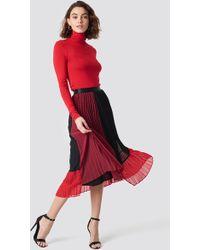 Gestuz - Plissa Skirt Biking Red Color Block - Lyst