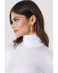 NA-KD - Textured Shield Earrings Gold - Lyst