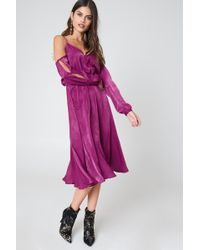 NA-KD - V-neck Cold Shoulder Midi Dress Purple Rose - Lyst