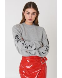 NA-KD - Rose Embroidery Sleeve Sweater Grey Mel - Lyst