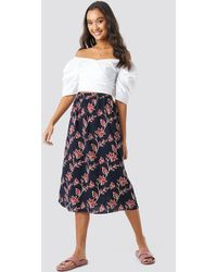 f83e65a322b NA-KD - Big Flower Print Midi Skirt Blue - Lyst