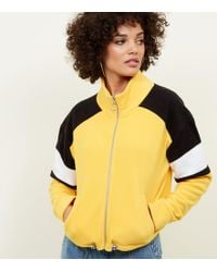 331892f7e139 New Look Girls Mustard Funnel Neck Puffer Jacket in Yellow - Lyst