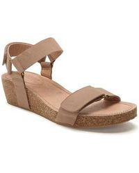 Me Too Shea Nubuck Leather Wedge Sandals 7CanV9