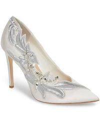 Imagine Vince Camuto - Leight Pump - Lyst