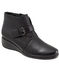 Trotters - 'mindy' Wedge Bootie - Lyst