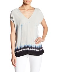 Love Stitch - V-neck Short Sleeve Relaxed Fit Print Blouse - Lyst