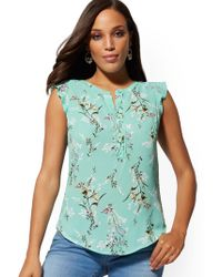 76090cced0f New York   Company - Floral Flutter-sleeve Top - Soho Soft Shirt - Lyst