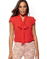 b5073839433d71 Tahari Off The Shoulder Blouse With Tulip Bell Sleeve in Red - Lyst