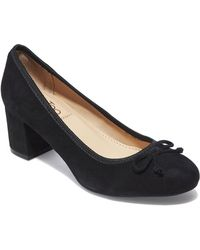 Me Too - Lily Suede Pump - Lyst