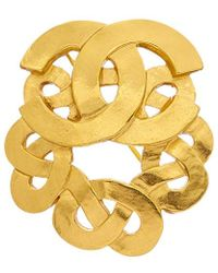 Chanel - Gold-tone Cc Celtic Knot Pin - Lyst