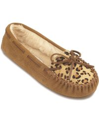 Minnetonka - Leopard Cally Slipper - Lyst