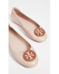 2cac1727a9a Tory Burch - Minnie Travel Ballet Flats With Logo - Lyst