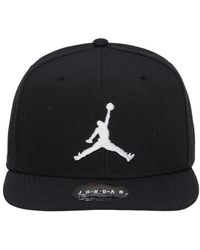 980b800ec8f05 Nike Jumpman Snapback Cap in Black for Men - Lyst