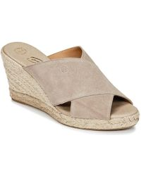 Betty London - Inana Women's Mules / Casual Shoes In Grey - Lyst