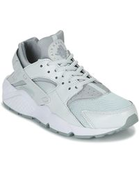 d5465acc429cd Nike - Air Huarache Run W Women's Shoes (trainers) In Grey - Lyst