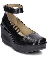 Fly London - Jynx Women's Court Shoes In Black - Lyst