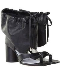 Maison Margiela - Black Tabi Thong Sandals With Drawstring - Lyst
