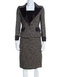CH by Carolina Herrera - Monochrome Embossed Jacquard Satin Trim Skirt Suit S - Lyst