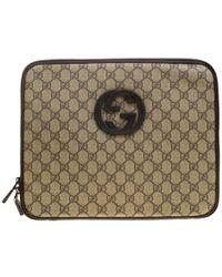 Gucci - Gg Supreme Canvas Interlocking Gg Netbook Case - Lyst