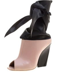 Dior - Blush And Black Leather Brooklyn Ankle Wrap Peep Toe Ankle Boots - Lyst