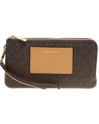 561b9cba918ae6 MICHAEL Michael Kors - /beige Signature Coated Canvas And Leather Large Bedford  Double Zip Wristlet