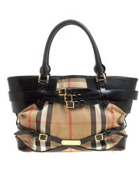 78985604aebf Burberry -  black House Check Canvas And Leather Medium Bridle Lynher Tote  - Lyst