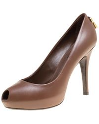 4b6e7856815b Lyst - Louis Vuitton Patent Oh Really! Pumps Black in Metallic