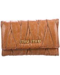Miu Miu - Miu Matelassé Card Holder Keychain Tan - Lyst