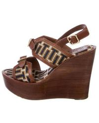 3289ebbac1c Lyst - Tory Burch Leather T-strap Wedges Tan in Natural