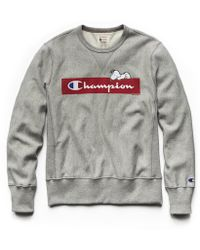 Todd Snyder - Champion X Peanuts Chilling Snoopy Sweatshirt In Light Grey Mix - Lyst