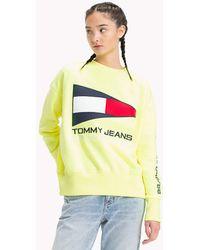 87f5c785b80e7f Tommy Hilfiger - Tommy Jean 90s Capsule 5.0 Sailing Flag Logo Sweatshirt -  Lyst