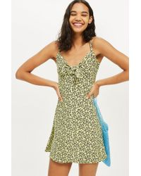 TOPSHOP - Ditsy Knot Front Mini Sundress - Lyst