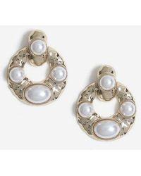 TOPSHOP - Pearl Doorknocker Earrings - Lyst