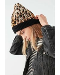 Urban Outfitters - Graphic Leopard Intarsia Beanie - Lyst
